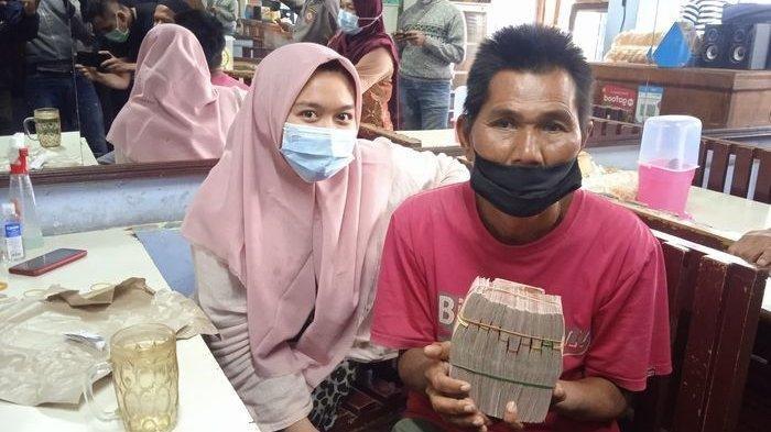 INILAH Eman yang Dapat Duit Rp 108 Juta Setelah Video Beli Nasi Padang Viral, Seorang Pekerja Keras