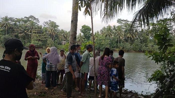 MIRIS, Sesosok Mayat Bayi Tertelungkup Ditemukan di Bibir Bantaran Sungai Citanduy, Warga Heboh