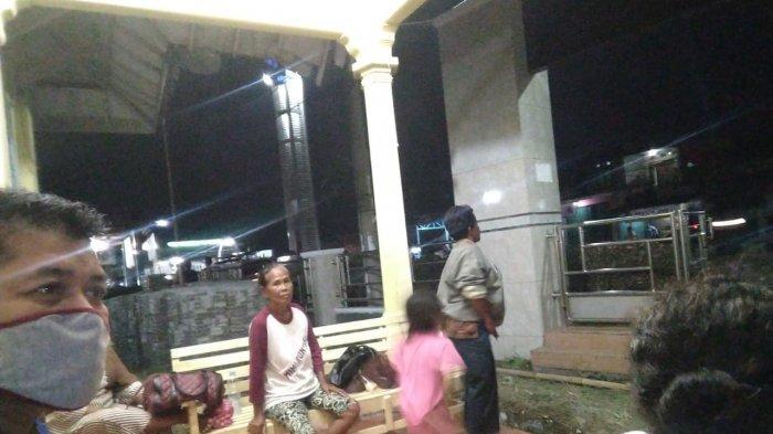 Banjir Rob di Indramayu Makin Parah, Pengungsi Mulai Berdatangan ke Balai Desa untuk Mengungsi