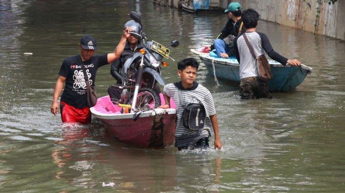 4 Desa di Dayeuhkolot Plus 3 Bangunan SD Terendam Banjir, Puluhan Orang Mengungsi, Air Cepat Surut