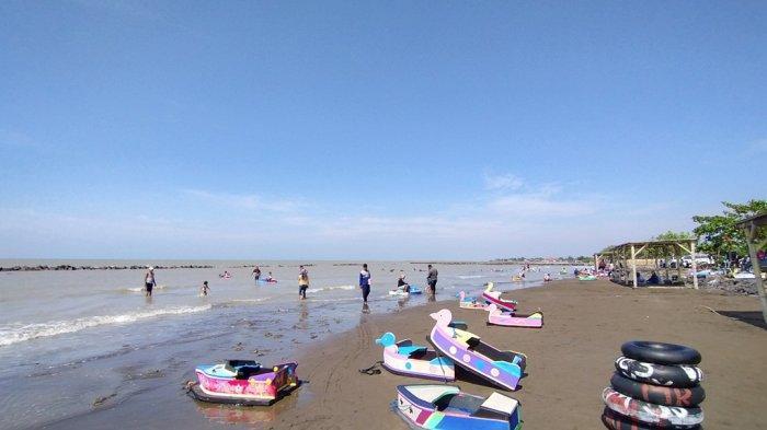 Padahal Indramayu Masih Zona Kuning Corona, Wisatawan Nekat Berlibur ke Pantai Karena Jenuh