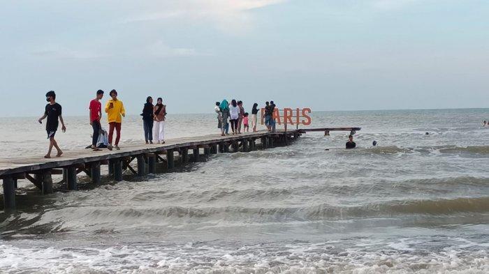 Wisatawan Wajib Gunakan Aplikasi Peduli Lindungi untuk Berwisata di Indramayu, Hari Ini Mulai Dibuka