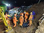 11-orang-ditemukan-meninggal-dunia-di-lokasi-longsor-cimanggung-kabupaten-sumedang.jpg