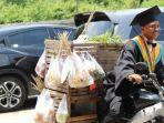 amirudin-mahasiswa-penjual-sayur.jpg