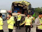 kecelakaan-lalu-lintas-tabrakan-beruntun-terjadi-di-jalan-tol-cipali-km-87200-jalur-a.jpg