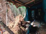 kondisi-dapur-milik-warga-di-desa-wanahayu-kecamatan-maja-kabupaten-majalengka-rusak-parah.jpg