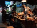 kopi-ulin-sajikan-ngopi-ala-kafe-di-pinggir-jalan-kawasan-kota-tua-indramayu.jpg