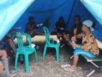 korban-banjir-saat-mengungsi-di-tenda-pengungsian-indramayu.jpg