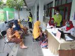 lansia-saat-mendatangi-sekretariat-lembaga-lanjut-usia-indonesiaf.jpg