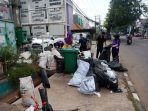 limbah-medis-berserakan-di-pinggir-jalan-raya-dibuang-pihak-rsia-bunda-fathia.jpg