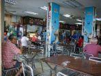 lockdown-di-malaysia-masih-ada-restoran-yang-menyediakan-makanan-di-kawasan-subang-jaya.jpg