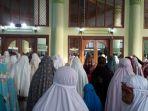 masjid-agung-sumber.jpg