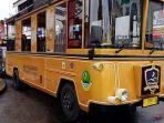 mobil-keliling-wisata-dalam-kota-kuningan-di-taman-kota-712020.jpg