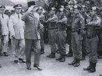 nasib-cakrabirawa-dulu-pasukan-elite-presiden-dianggap-pro-pki-lalu-ditumpas-kabur-ke-negara-lain.jpg