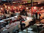 pedagang-daging-di-pasar-baru-kuningan.jpg