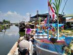pelaksaan-nadran-yang-dilakukan-oleh-para-nelayan-bubu-atau-rajungan.jpg