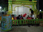 pemuda-saat-menghias-masjid-rulul-huda-mundak-jaya1.jpg