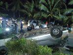 pengemudi-avanza-nyaris-jadi-bulan-bulanan-massa-usai-bawa-mobil-dalam-keadaan-mabuk.jpg