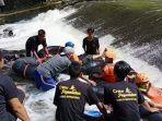 pengunjung-wisata-alam-curug-bangkong-kuningan-penuh.jpg