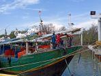 perahu-nelayan.jpg