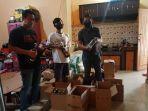 petugas-dari-sat-narkoba-polres-majalengka-berhasil-mengamankan-ratusan-botol-miras-1.jpg