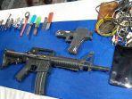 petugas-gabungan-di-lapas-kelas-i-cirebon-disidak-peralatan-memasak-hingga-senjata-api-mainan.jpg