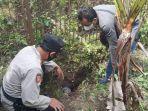 petugas-memeriksa-dua-granat-di-dalam-kaleng-bekas-yang-ditemukan-di-belakang-rumah.jpg
