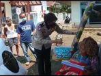 polisi-beri-bantuan-untuk-warga-tak-mampu-ciawigebang.jpg