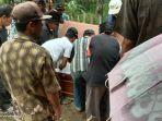 prosesi-pemakaman-kuraesin-33-pekerja-migran-indonesia-pmi-asal-blok-winong.jpg