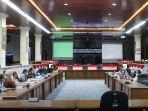 rapat-bersama-komisi-ii-dprd-kota-cirebon-dan-dlh-kota-cirebonnnn.jpg