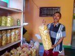rumah-produksi-kripik-pisang-di-desa-sukadana-kecamatan-ciawigebang5.jpg