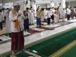salat-gerhana-bulan-di-masjid-syiarul-islam-kuningan-2652021.jpg