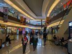 sejumlah-pengunjung-memadati-grage-mall.jpg