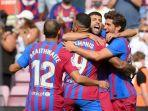 sergi-roberto-barcelona-kanan-ketika-merayakan-gol-bersama-rekan-satu-tim.jpg