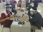 suasana-kejuaraan-turnamen-catur-di-majalengka-senin-71220201.jpg