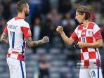 update-tim-lolos-16-besar-euro-2021-kroasia-ngekor-inggris-luka-modric-jadi-tua-tua-keladi.jpg