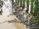 warga-ikut-mencari-tarsidi-yang-tenggelam-di-sungai-cimanuk-majalengka.jpg
