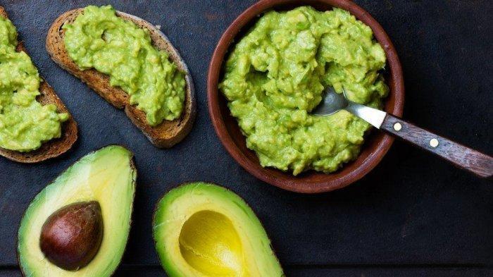 Ilustrasi - Buah alpukat yang kaya akan vitamin E