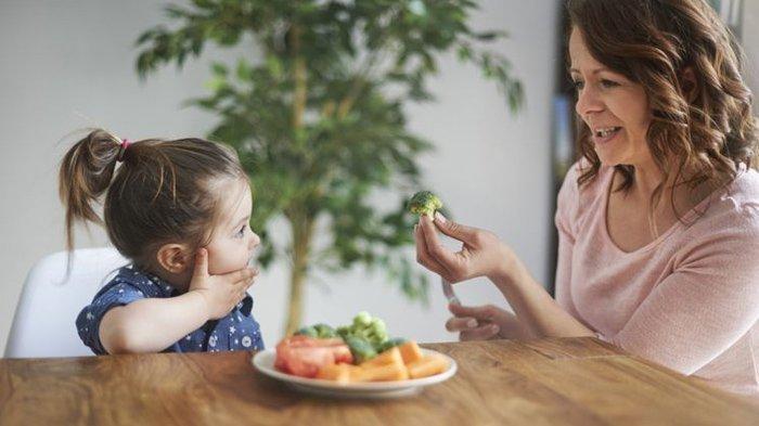 Cara Mengajarkan Bahasa Ekspresif pada Anak dengan Baik, dari dr. Roro Rukmi Windi Perdani, Sp.A