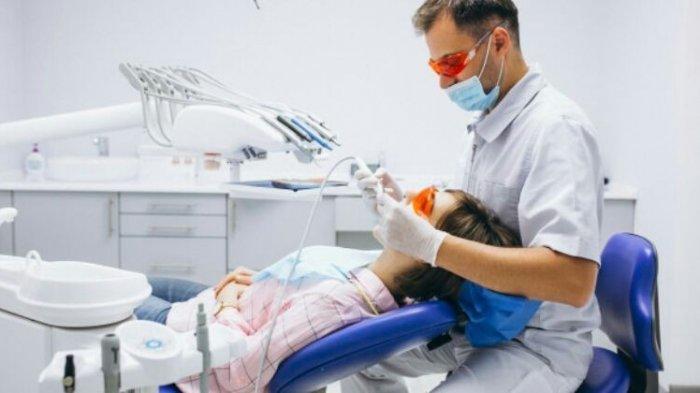 Perawatan Gigi Patah bisa Dilakukan Penambalan Gigi dengan Menggunakan Bahan Tambalan Komposit