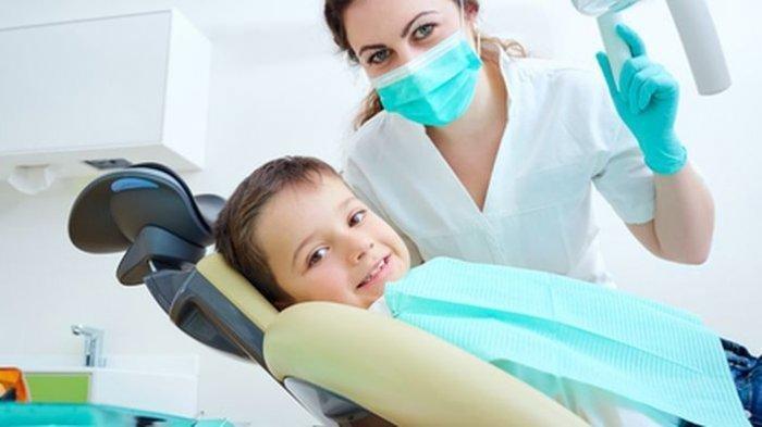 Dokter Spesialis Gigi Ajarkan Cara Melakukan Pemeriksaan Mandiri Pada Gigi Anak yang Patah