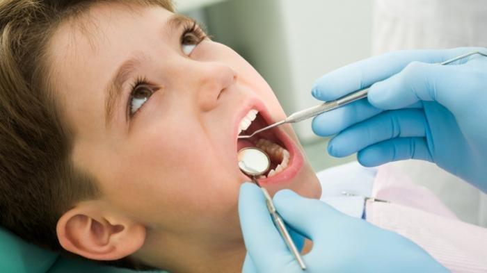 Ilustrasi - Pemeriksaan gigi pada anak