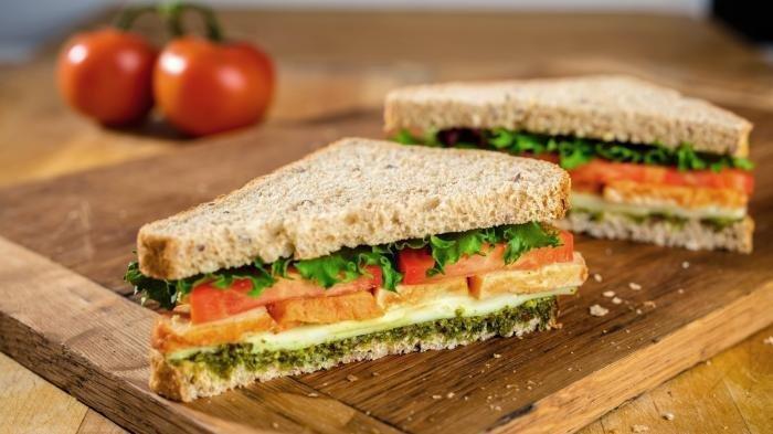 Dokter Ajarkan Mengatur Pola Makan Anak untuk Menghindarkan Anak Konsumsi Jajanan Tidak Sehat