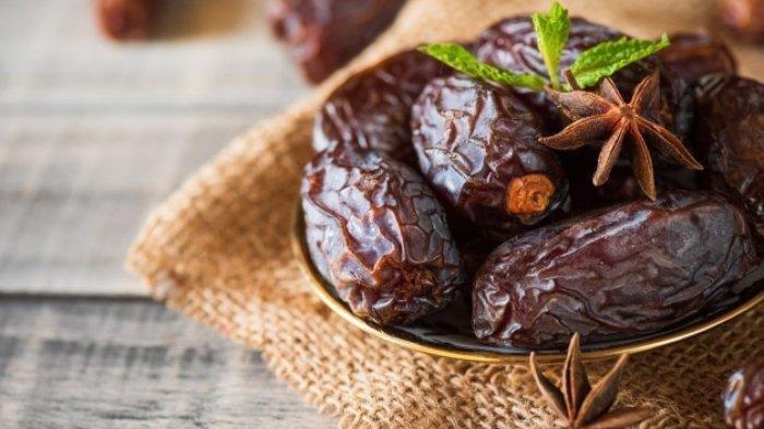 Ilustrasi buah kurma yang kaya akan nutrisi dan manfaat