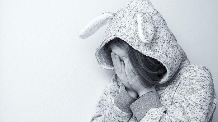 Ilustrasi seorang wanita menangis, Adib Setiawan, S.Psi., M.Psi sarankan untuk semangat dalam menjalani hidup