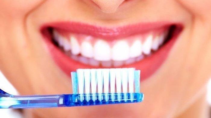 Ilustrasi gigi putih dan bersih tanpa noda