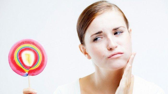 Benarkah Gigi Sensitif Berhubungan dengan Usia? Ini Penjelasan Drg. R. Ngt. Anastasia Ririen