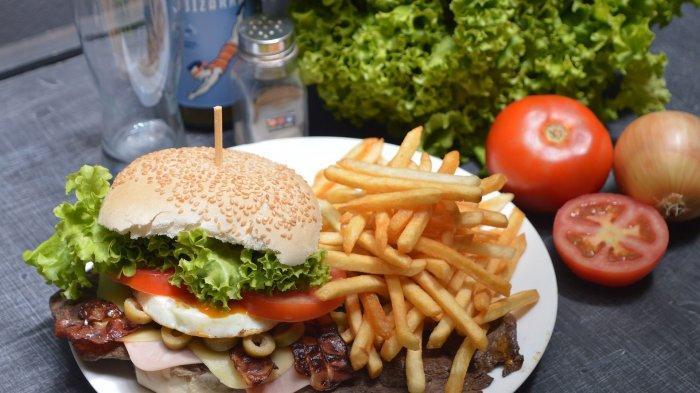 Ilustrasi makanan yang tidak baik untuk kesehatan