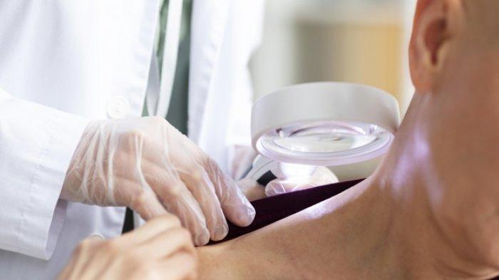 Ilustrasi pemeriksaan kulit