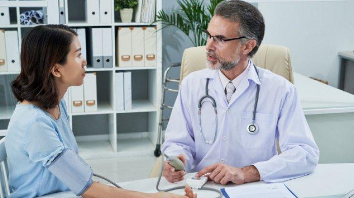 Ilustrasi penderita hipertensi, simak ulasan dr. Muhammad Fiarry Fikaris